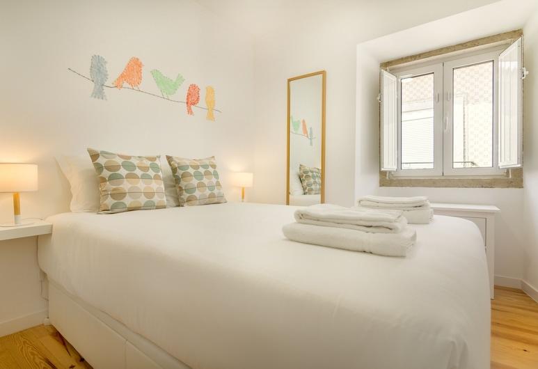 Amazing Castle Views in Historic Center, Lisbon, Apartment, 1 Bedroom, Room