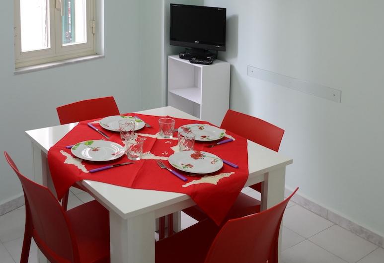 Iris Apartment, Cefalù, דירה, חדר שינה אחד, אזור אוכל בחדר