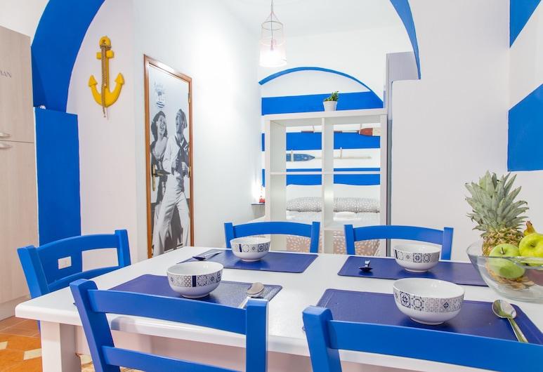 Sailor's Apartments, Cefalù, Studio (Fisherman), Bespisning på rommet