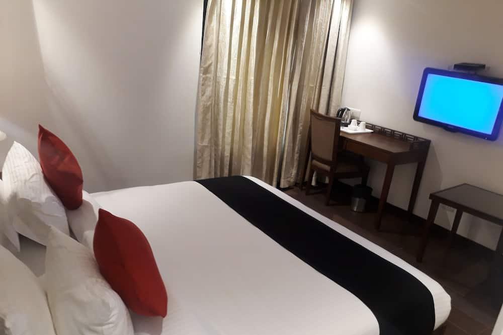 Habitación Deluxe, 1 cama Queen size, para fumadores, vista a la ciudad - Habitación