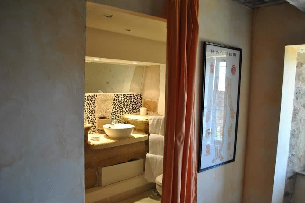 Doppelzimmer (La Joubarde) - Badezimmer