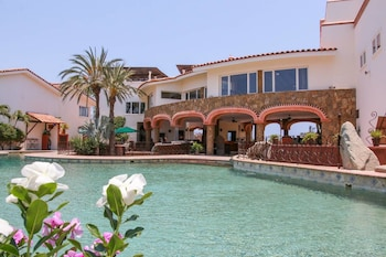 Foto Spacious Villa + Pool + Gym di Cabo San Lucas