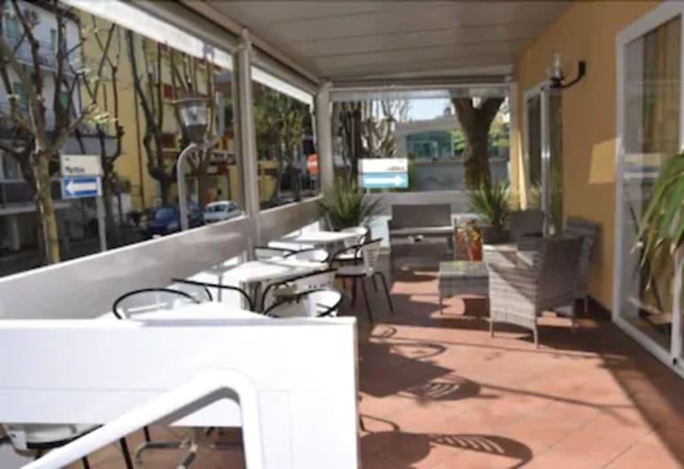 Hotel Ca' Vanni, Rimini, Teres/Laman Dalam
