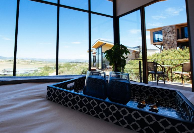 Contemplación Hotel Boutique, Valle de Guadalupe, Cabaña superior, 1 cama Queen size, vista al viñedo, Habitación
