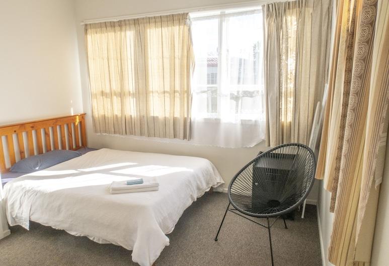 ARent - Serviced House - 14a Dignan St, Auckland