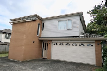 Picture of ARent - Serviced House - 82A Richardson Road in Auckland
