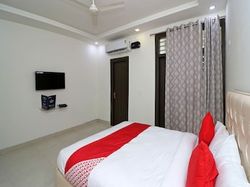 Picture of OYO 23221 Amigos Suites in Agra