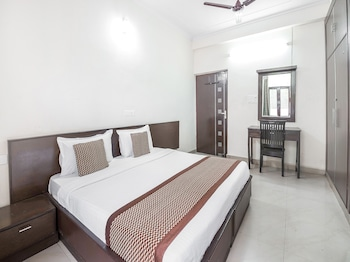 Picture of OYO 15929 Comfort Residency in Noida