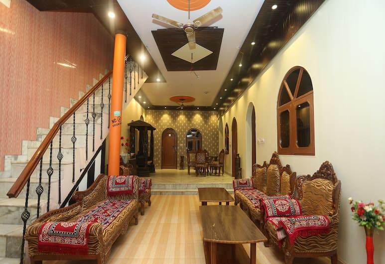 OYO 18641 Hotel Rashmi, Agra, Prostor za sjedenje u predvorju
