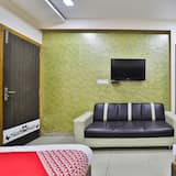 Deluxe Double or Twin Room, 1 King Bed - Living Room