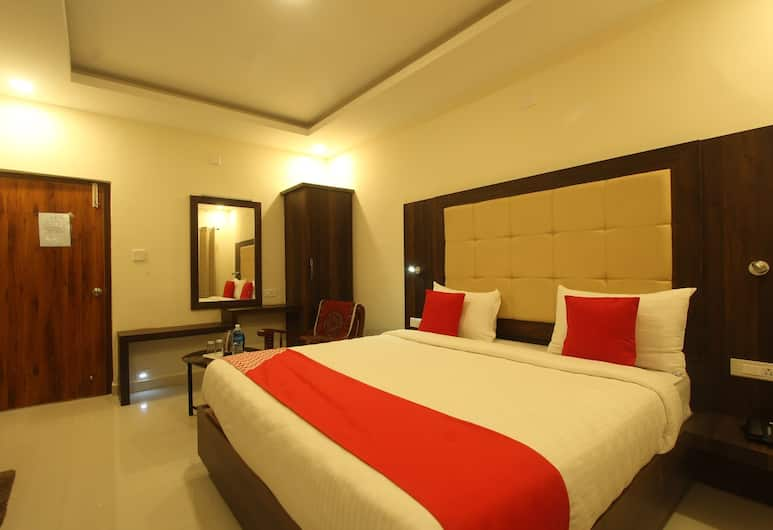OYO 26193 Hotel Maple Suites, Ooty, Deluxe Double or Twin Room, 1 King Bed, Guest Room