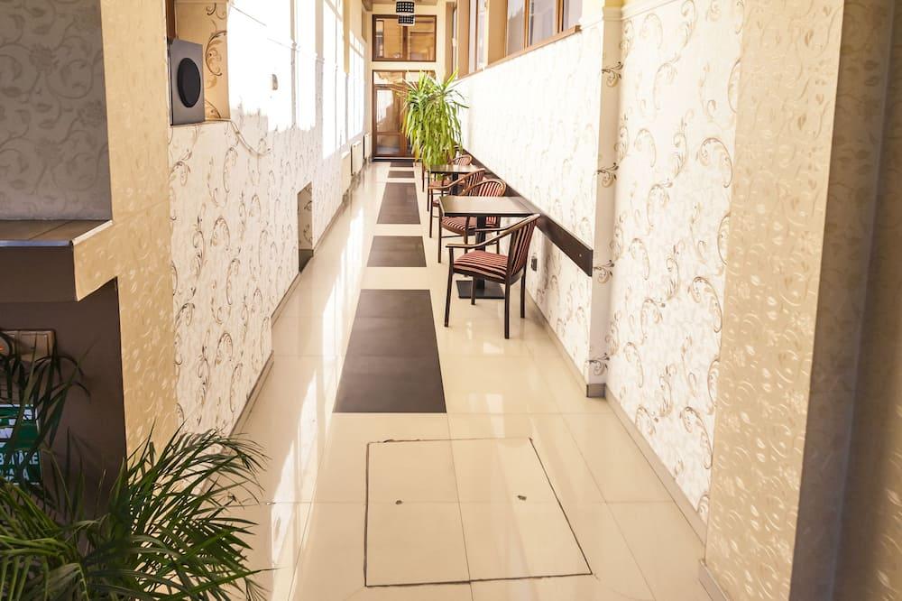 Belső bejárat