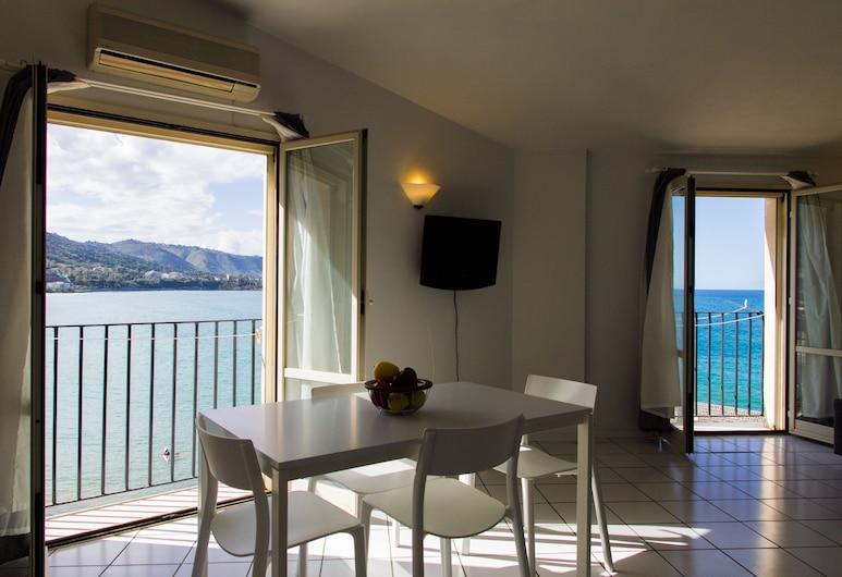 Marina Apartments, Cefalù, Duplex, 2 soverom, utsikt mot sjø, Oppholdsområde