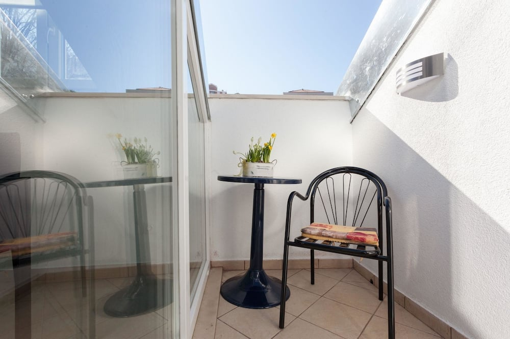 Gallery Apartment, 2 Bedrooms, Balcony (Hedera A52) - Balcony