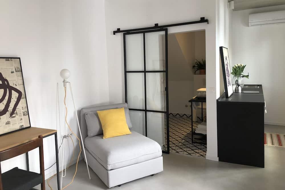 شقة بتصميم مميز - منظر للفناء - غرفة نزلاء