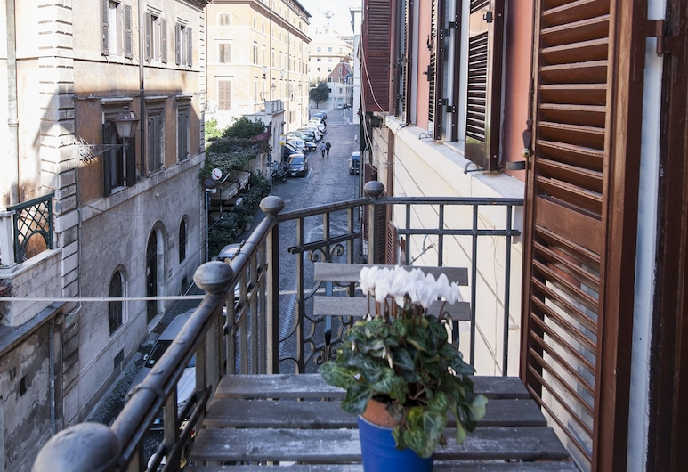 Flatinrome Trastevere, Rome, Apartment, 2 Bedrooms (G), Balcony View