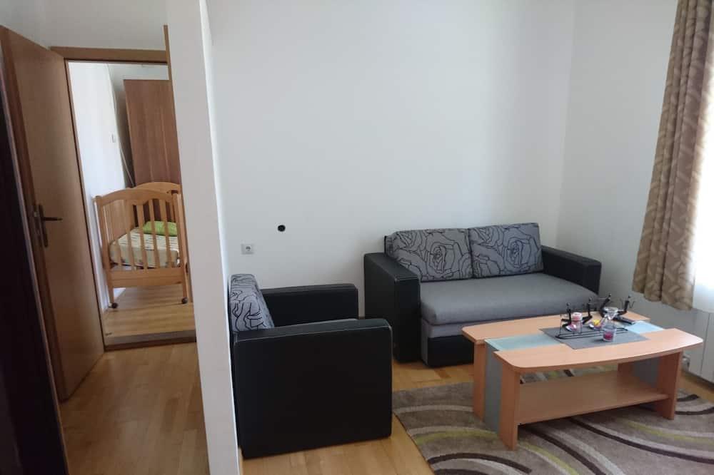 Habitación estándar con 1 cama doble o 2 individuales, vistas a la montaña - Zona de estar