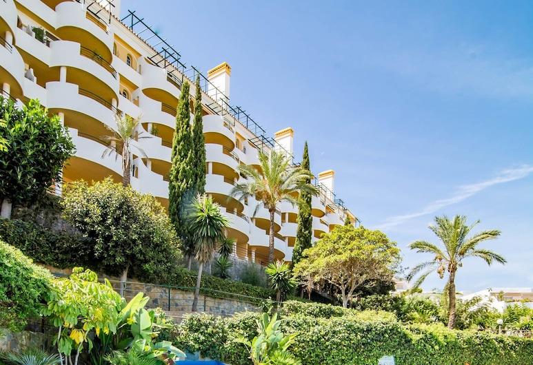 SAA-Great 2 bed apt 10 min walk to Puerto Banus, Marbella, Utendørsbasseng