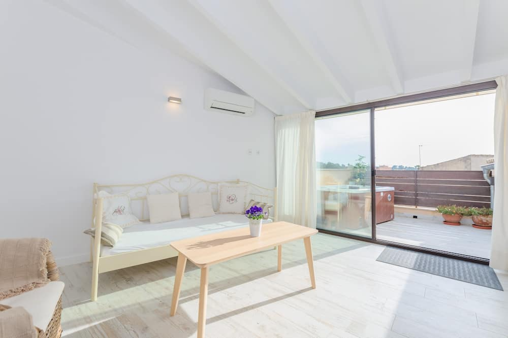 Chata, 2 spálne - Obývačka