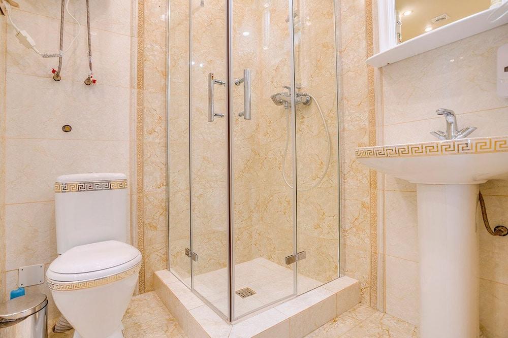 Luxury Double Room, 1 Queen Bed - Bathroom
