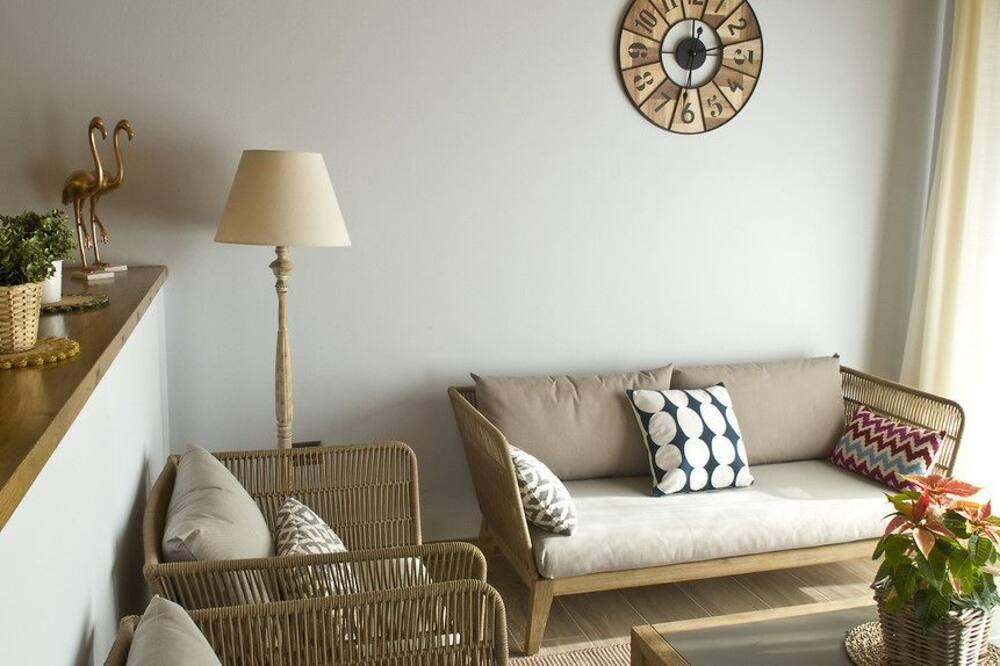 อพาร์ทเมนท์สำหรับครอบครัว, 2 ห้องนอน, เตาผิง - พื้นที่นั่งเล่น