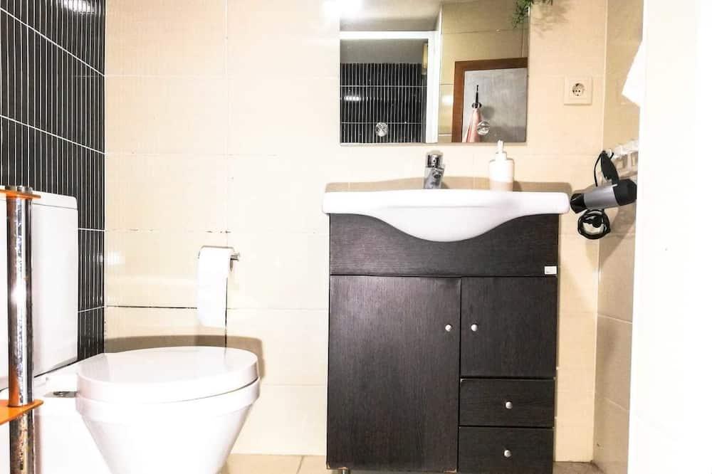 Phòng đôi hoặc 2 giường đơn Economy, 1 phòng ngủ, Phòng tắm dùng chung - Phòng tắm