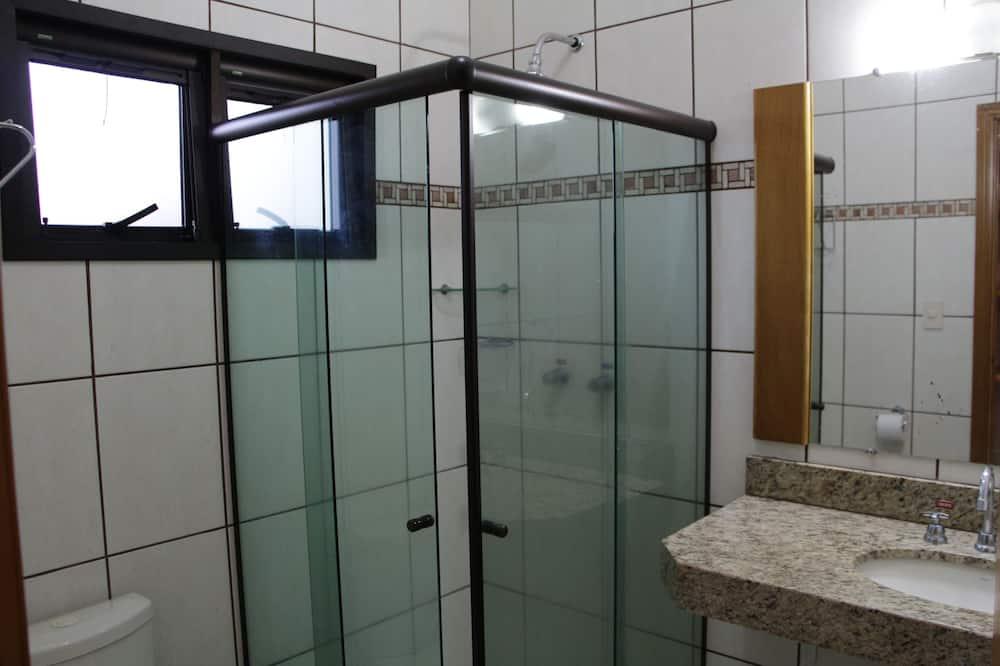Trojlôžková izba, nefajčiarska izba - Kúpeľňa