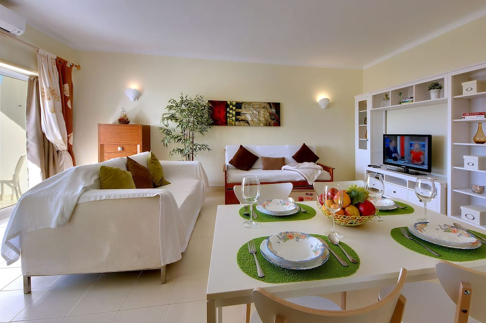 Apartment, 1 Bedroom, Balcony, Sea View - In-Room Dining