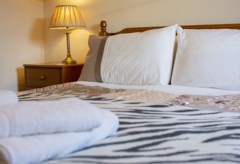 Apartment 4, Skye Holiday Apartments, Phoenix Flats, Portree, Apartment, 2 Bedrooms, Room
