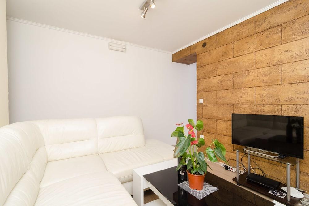 Dzīvokļnumurs, viena guļamistaba, skats uz dārzu - Dzīvojamā zona