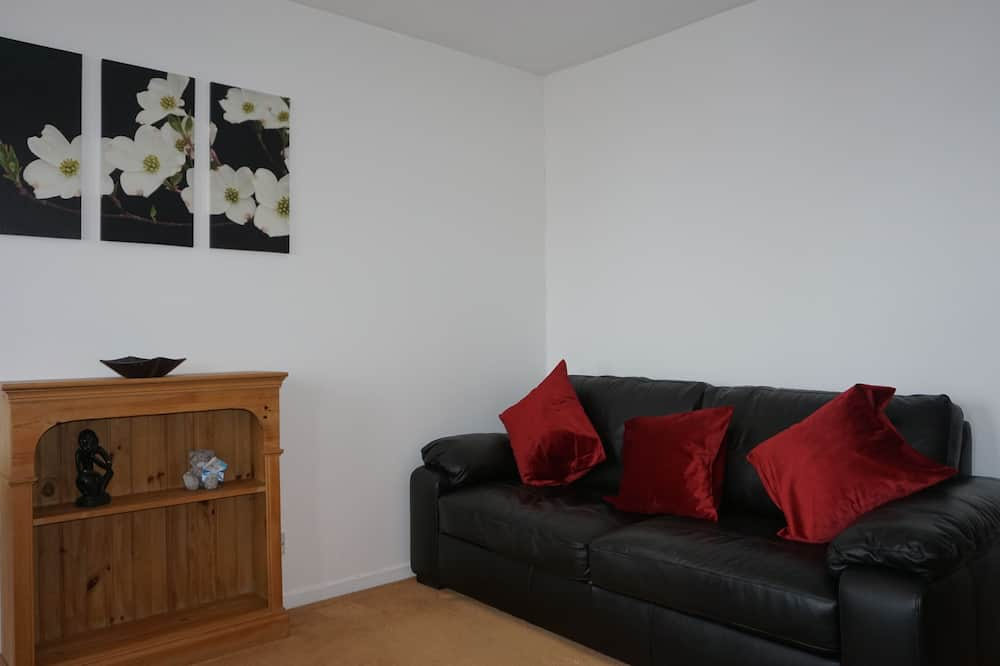 Business Apartment, 1 Double Bed with Sofa bed, Garden View - Living Area