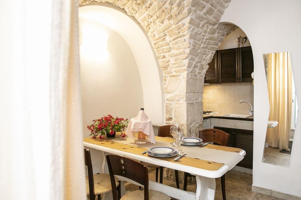 Rumah, 1 kamar tidur - Tempat Makan Di Kamar