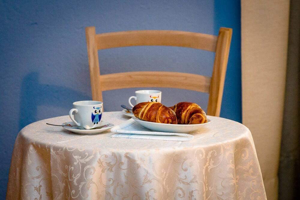 Comfort Double Room, Ensuite (MAREA) - In-Room Dining