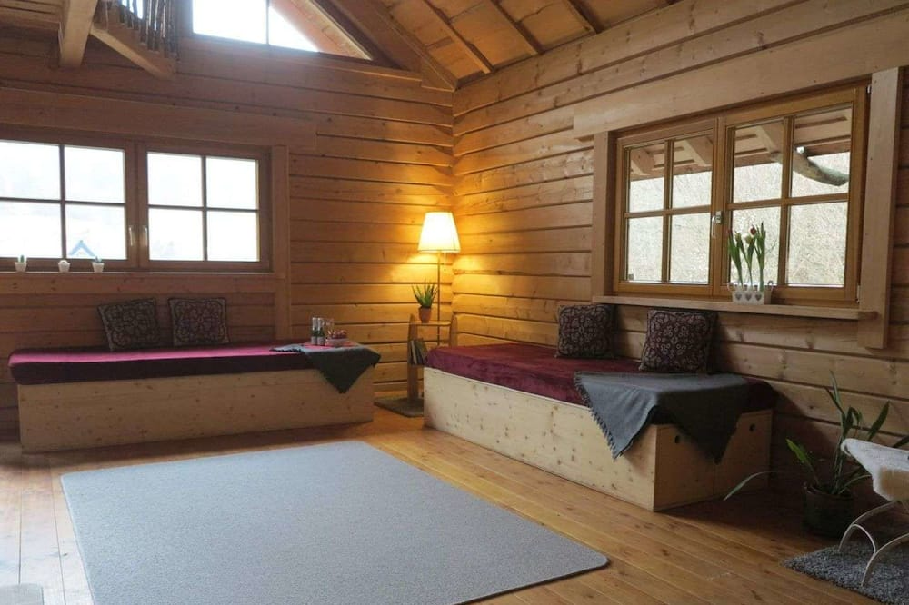 Māja, 1 divguļamā karalienes gulta - Dzīvojamā zona