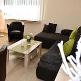 Family Apartment, 2 Bedrooms, City View (Lounge 4) - Living Area
