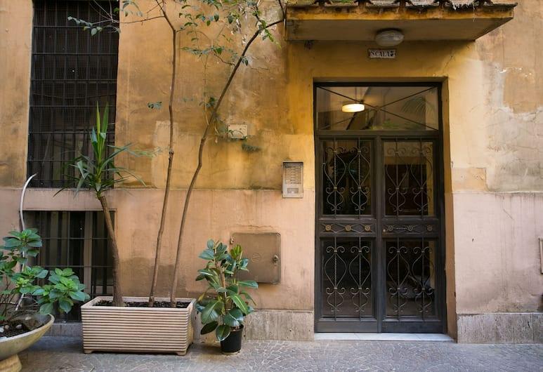 LJhouse, Roma, Ingresso hotel