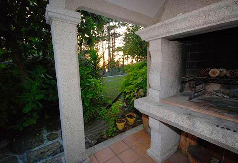 Chalet With 4 Bedrooms in San Vicente del Grove, With Enclosed Garden - 200 m From the Beach, O Grove, Jardín