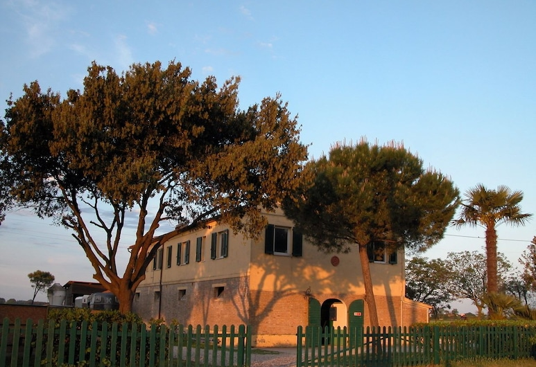 B&B Centro Ippico Andrea, Potenza Picena, Hotellin julkisivu