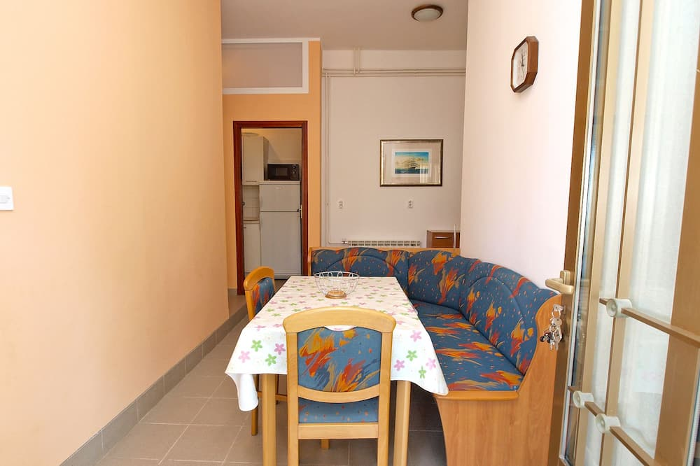 Standard Apartment, 2 Bedrooms (0235) - In-Room Dining