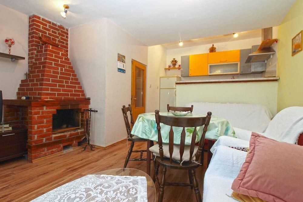 Standard Apartment, 2 Bedrooms (0249) - Living Area