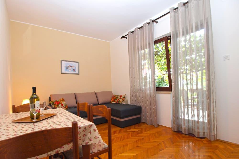 Standard Apartment, 1 Bedroom (1001/3280) - Living Area