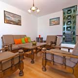 Standard Apartment, 2 Bedrooms (1077/6438) - Living Room