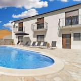 Стандартний будинок, 6 спалень (0340) - Приватний басейн