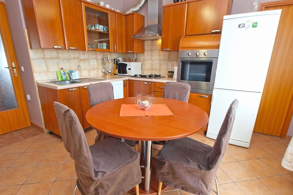 Standard Apartment, 2 Bedrooms (0361) - In-Room Dining