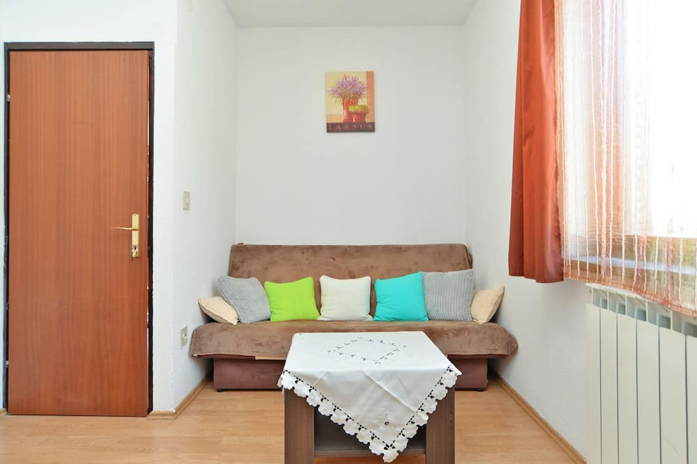 Standard Apartment, 1 Bedroom (0385) - Living Area