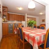 Standard Apartment, 2 Bedrooms (1652/17133) - Tempat Makan dalam Bilik