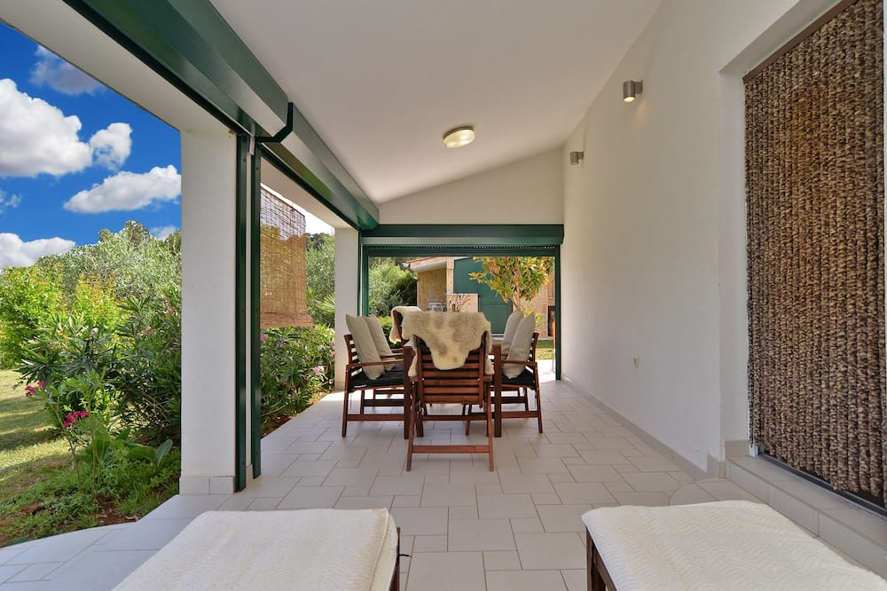 Standard House, 2 Bedrooms (0445) - Terrace/Patio
