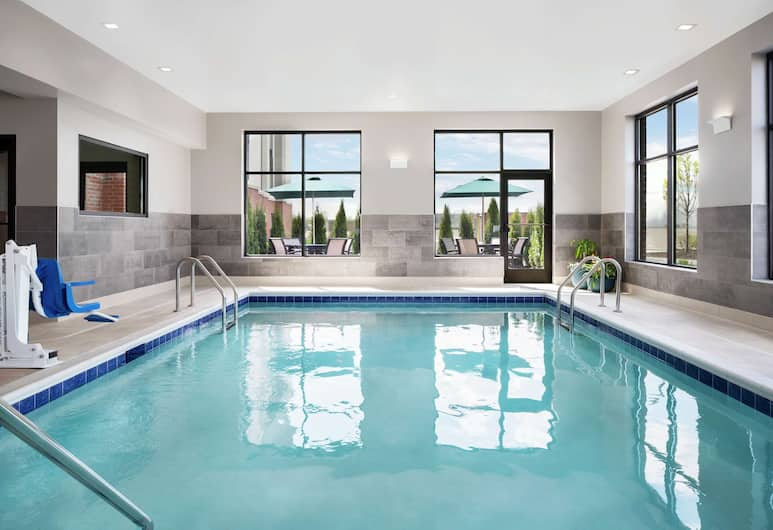 Hampton Inn & Suites Bridgeview Chicago, Summit, Pool