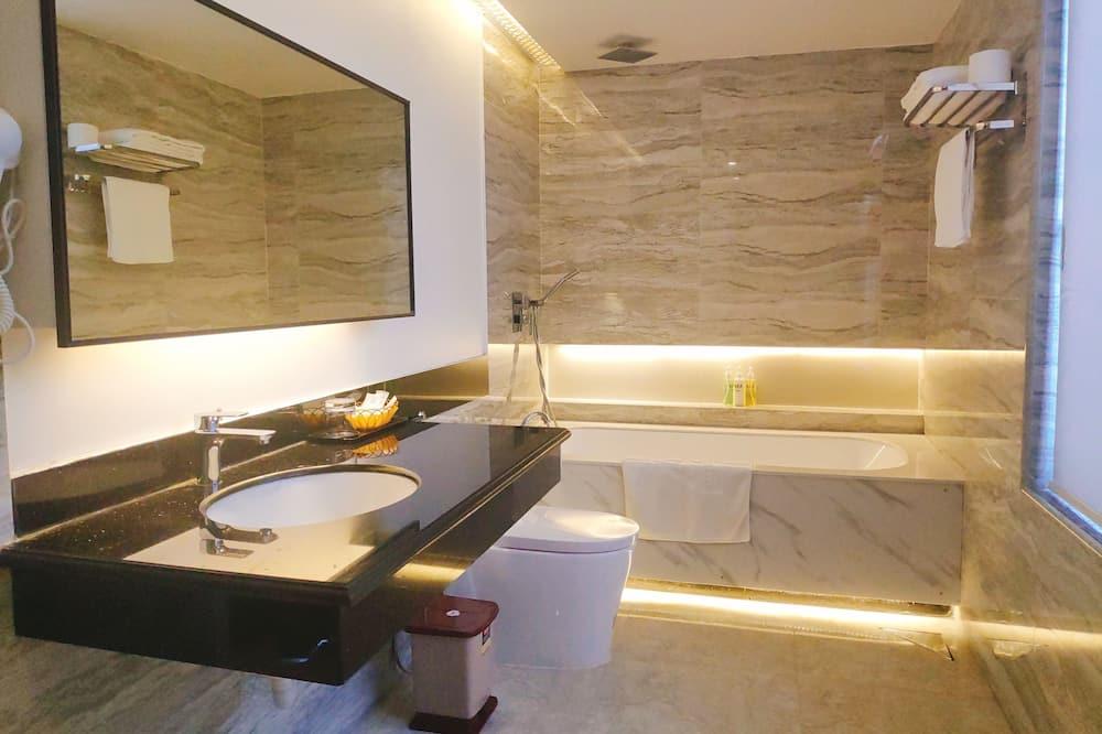 Executive kamer, uitzicht op meer - Badkamer