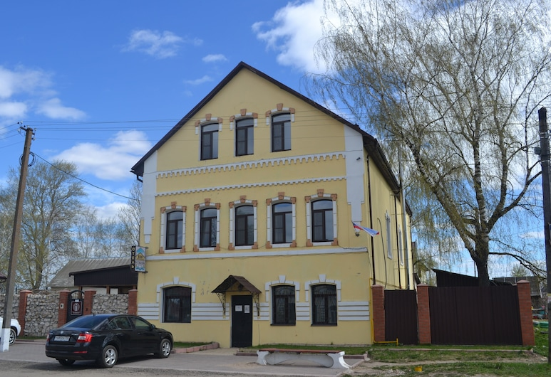 "Hotel ""Osobnyak"", Staritsa"